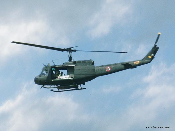 Lebanese UH 1H Huey 01 - !!~ Share Pak Force Pics ~!!