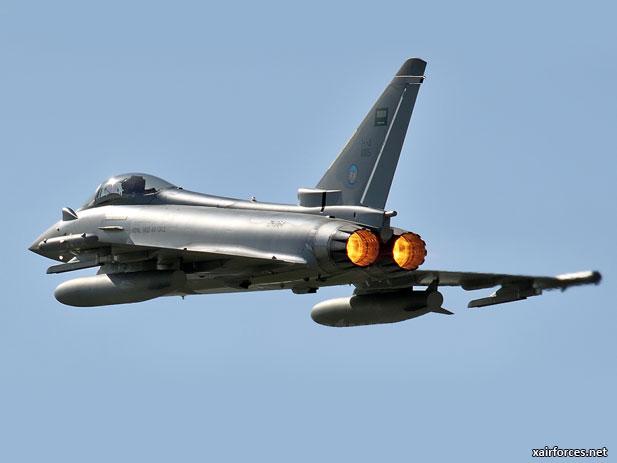 الموسوعه الفوغترافيه لصور القوات الجويه الملكيه السعوديه ( rsaf ) Royal-Saudi-Arabian-Air-Force_Eurofighter-Typhoon_201212