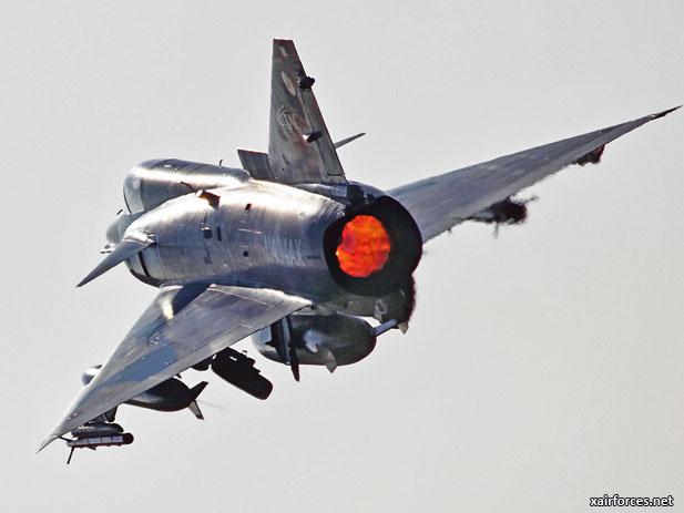 http://www.xairforces.net/images/news/large_news/US_ATAC_F-21_Kfir_070312.jpg